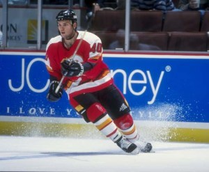 20 Sep 1998:  Center Daniel Tkaczuk #40 of the Calgary Flames in action during a pre-season game against the Anaheim Mighty Ducks at the Arrowhead Pond in Anaheim, California. The Ducks defeated the Flames 4-2. Mandatory Credit: Elsa Hasch  /Allsport